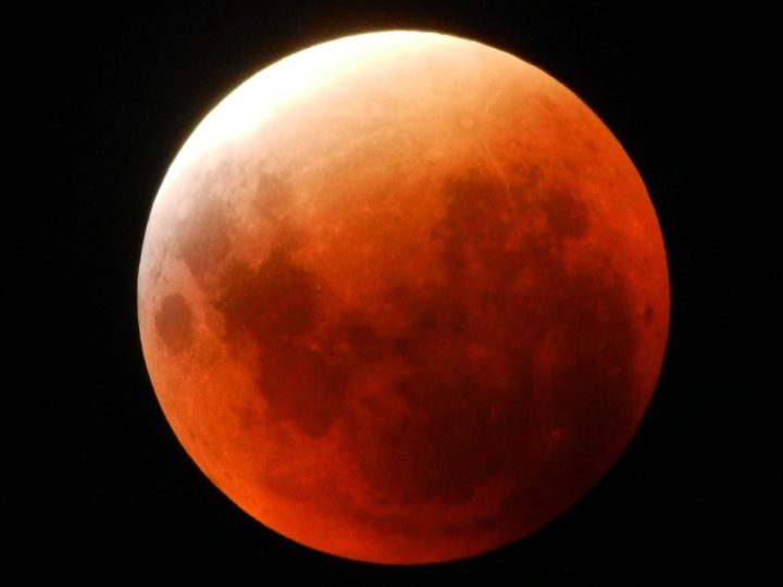 Monday 28 September 2015 – red moon